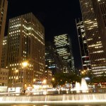Auch Nachts wirkt die Stadt sehr schön, u. a. durch die Beleuchtung.